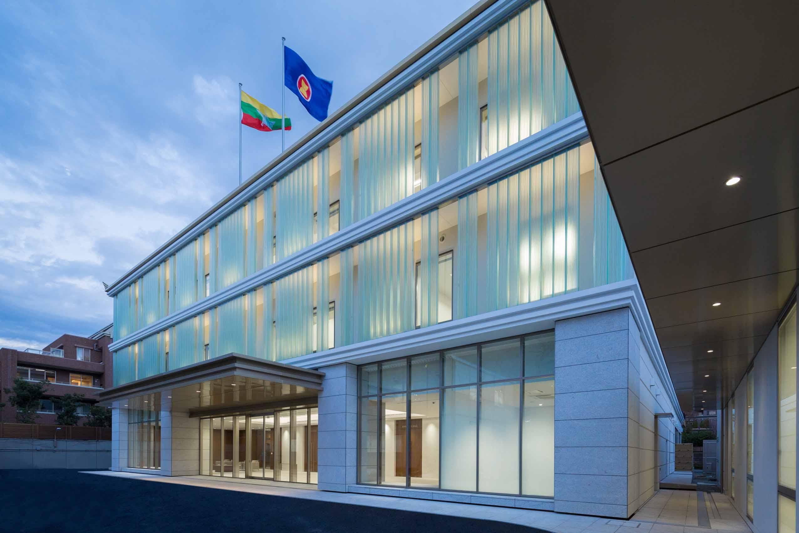 大使 館 ミャンマー 軍に批判的立場の駐英ミャンマー大使 大使館から閉め出される